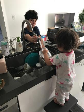 kids ayuda feliz